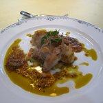 レストラン唐津迎賓館 - Bコースのメインは魚と肉の2皿、最初のお魚は唐津市場直送のアラカブを使ったポアレです