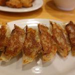 301餃子 - カリカリ焼き餃子(6個) 190円