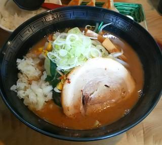 みちすけ - 濃厚魚介味噌らーめん(860円)