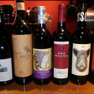 なんと20~30種類ものワインをグラスでお選びいただけます。