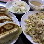 中華大千居 - Dセット(焼き餃子・チャーハン・サラダ)