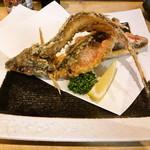 沖縄居酒屋 うちなー市場 - グルクン唐揚げ (丸ごと食べられる)