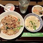 チャオタイ - 「バミー ヘーン ガパオ(汁なしガパオ麺)」(800円) +180円で焼き飯、タイサラダ、デザートのセット