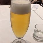 エミット フィッシュバー オイスター&グリル - まずはビール