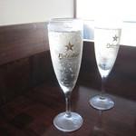 ワイン スタンド バジル - 樽詰スパークリング