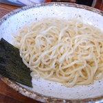 宮崎とんこつ 神楽 - 麺 ちょっと少ないかな?