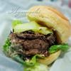 有田牧畜産業 - 料理写真:EMO牛バーガー