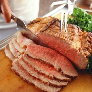 看板料理ローストビーフ特製グレービーソース