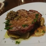 76127157 - 豚ロース肉のグリエ 大根とサツマイモタプナードソース