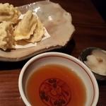 和酒と旬菜なごみ料理 日月 - 蓮根と五郎島金時の天ぷら