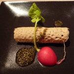 メルロ・パノニカ - 蚕豆ムースの蕎麦クレープ