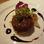 メルロ・パノニカ - レンズ豆のオニオンステーキ