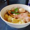 とものもと - 料理写真:特製醤油ラーメン