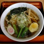 お食事処 樹むら - 料理写真:醤油ラーメン(580円)