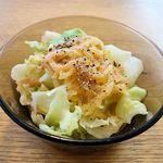 傍 - 傍(ローストビーフ小どんぶり&おそば ※最初に出て来る野菜サラダ小鉢)
