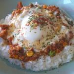 サニーキッチン - キーマカレー (温玉チーズあり)