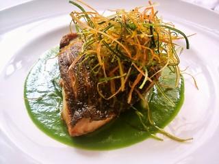 レストラン ミュゼ - イサキのポアレ チンゲン菜ソース