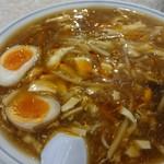 生駒軒 - サンラータンメンとサービスの味玉