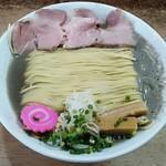 まつや - 煮干しらーめん750円+大盛100円