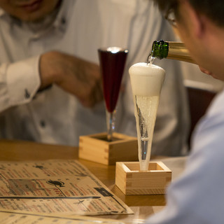 JILL名物【あふれスパークリングワイン】