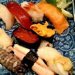 76157162 - 特上寿司 ホタテのご飯がつぶれている