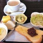杏樹 - 料理写真:★★★☆ 小倉トースト&カフェオレモーニング