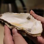 味あら井 - ラオス牡蠣のエキスを頂きます