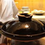味あら井 - 山国川津蟹で出汁をとります