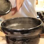 味あら井 - ツヤツヤの土鍋ご飯