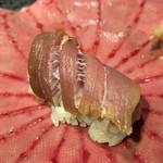 第三春美鮨 - シビマグロ漬け 蛇腹 漬け込み熟成5日目 一本釣り 青森県大間