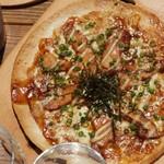 照り焼きチキンのネギマヨピザ