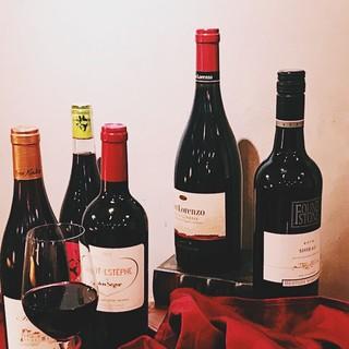 酒屋直営だから出来る!リーズナブル&豊富なワイン30種以上♪