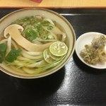 手打ちうどん ひさ枝 - 料理写真:松茸うどん イイダコ天 880円
