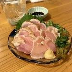 炭火串焼かなめ - *赤鶏たたき(¥880)