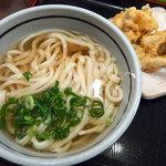 おにやんま - ひやかけうどん・並(300円)+鶏天(120円)