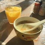 ザイカ・カレーハウス - スープ、マンゴージュース