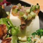 マザームーンカフェ - レンズ豆と豆腐のサラダ
