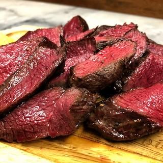 こだわって仕入れる絶品なお肉を味わっていただけます!!