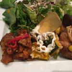 EBISU FOOD HALL - 3種デリとサラダ