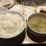 大阪屋 - ご飯大、もやしスープ