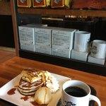 76194176 - 焼バナナキャラメルパンケーキ&Kona 100% coffee