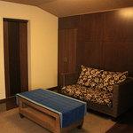 古楽 - 内観写真:2階の個室はお座敷とソファのあるお部屋が繋がっており、どちらもご利用いただけます。