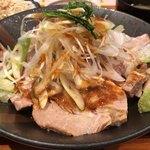 バードマン TRIO - ローストポーク丼 850円。