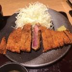 牛カツ京都勝牛 - 特選牛カツ膳130gの肉