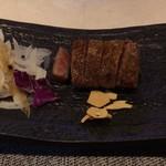 鉄板焼 雅 - 小さめのお肉。