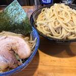 麵屋 くぼた - 料理写真:つけ麺(大盛)