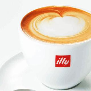 世界的コーヒー豆「illy」のカプチーノでほっと一息。