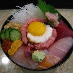 五郎鮨 - スタミナ丼(1,050円)