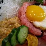 五郎鮨 - ひき割り納豆と山芋が特徴