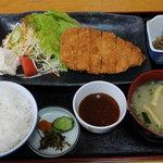和泉苑 - 料理写真:トンカツ定食
